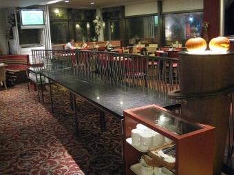 ビュッフェテーブル。