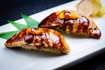 焼きうにフォアグラ寿司